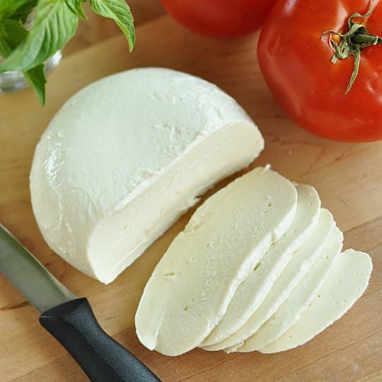 dania wegetariańskie z mozzarella