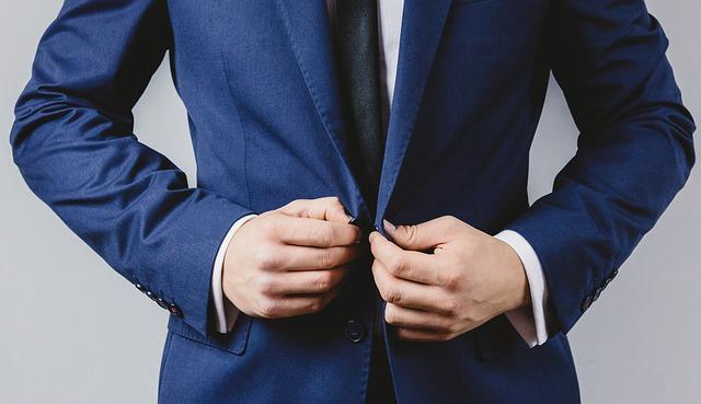 jak wybrać dobrego adwokata